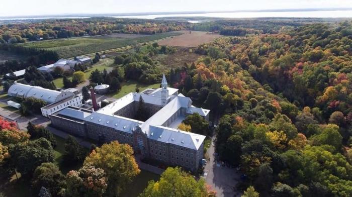 Abbaye OKa vue de haut