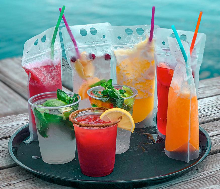 Cocktails variés de plusieurs couleurs